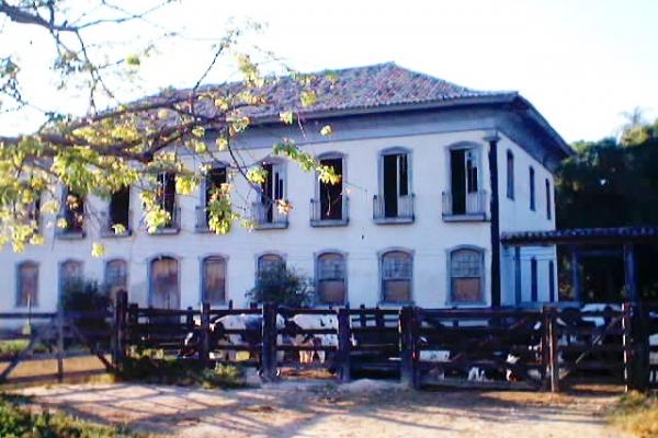 fazenda-santo-antonio-fachada-principal-2F7454B2D-5BE3-49DC-2C73-CF54691EC101.jpg