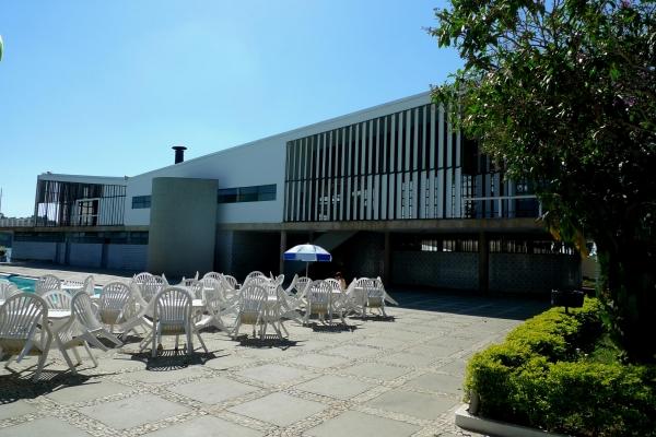 4-fachada-interna-para-area-da-piscina2C9C6EBB-B8F8-DC8B-5550-EF8BF37A9CF1.jpg