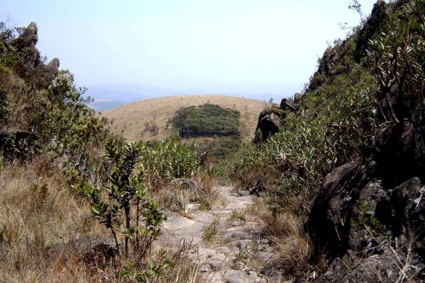 2-a-panoramica-ao-fundo-o-forte-de-brumadinho646685EF-6646-9E84-70AE-43EC61190A70.jpg