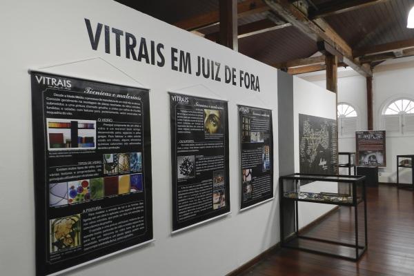 exposicao-vitrais-em-juiz-de-fora-divisao-de-patrimonio-cultural-funalfaA5B24366-D7A3-19DB-B082-8BD81706B618.jpg